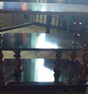 Журнальный столик.