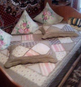 Кровать с матрасим