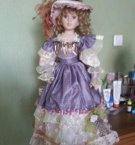 Кукла фарфоровая 60см.