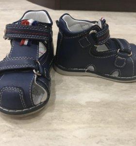 Детская обувь, 3 пары