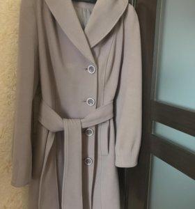 Пальто кашемировое ! Новое !