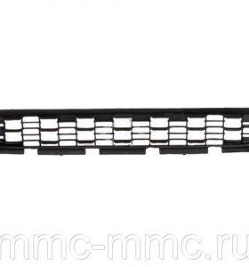 Решетка переднего бампера 6402A272