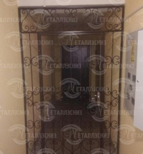 Тамбурная дверь кованая