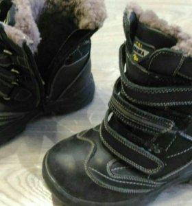 Продаю зимние кожанные ботинки на мальчика, б/у