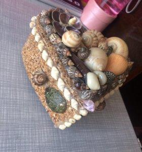 Шкатулка для украшений(из натуральных ракушек)