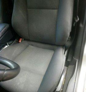 Сиденье Opel Zafira B