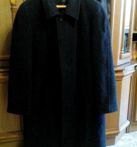 Пальто мужское драповое.