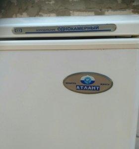 Продам холодильник есть бронь