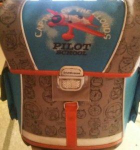 продам ортопедический ранец для школьника