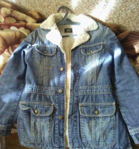 Джинсовая куртка с меховой подкладкой