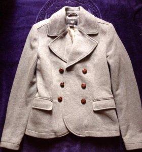 Женский пиджак.