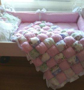 Кроватка и постельное