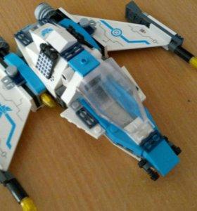 Цвездный Лего корабль