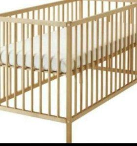Детская кроватка с матрацем, бортиками, одеялом