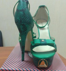 Туфли новые размер 40