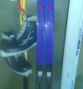 Беговые лыжи. комплект.