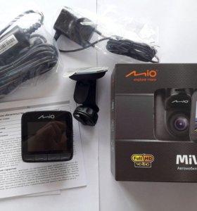 Автомобильный видеорегистратор Mio MiVue 526