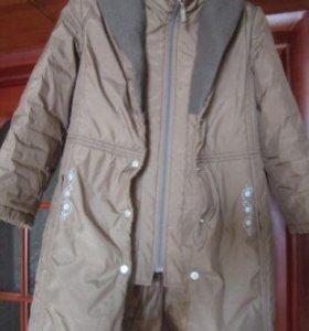 Демисезонное пальто на девочку.