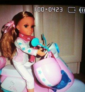 Кукла ненси со скутером