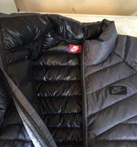 Новая Куртка Nike оригинал