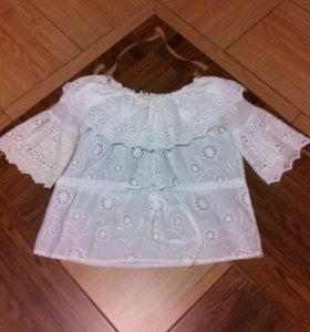 Блуза белая . С воланами и вышивкой . 44-46 р.