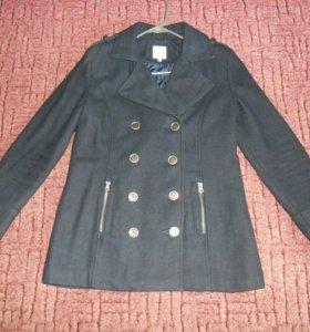 Пальто 46р +новый платок LV