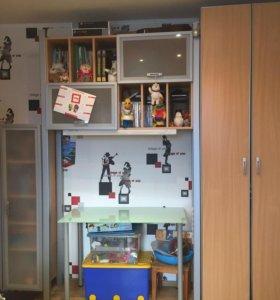 Стенка (книжный шкаф, книжная полка, платяной шкаф