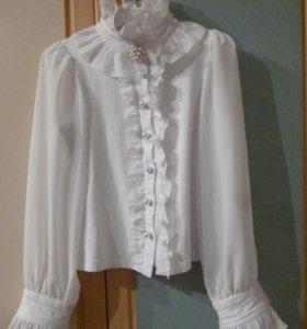 Сарафан , блузки школьные.