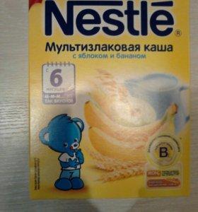 Nestle с яблоком и бананом