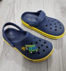 Crocs размер с 10/11