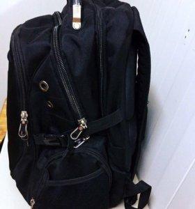 Рюкзак для города и походов.