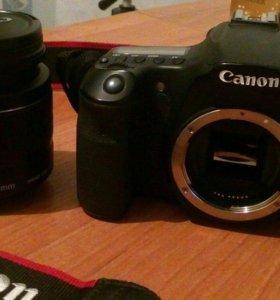 Зеркальная камера Canon EOS 60D