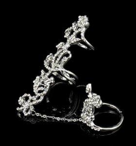 Двойное резное кольцо на цепочке