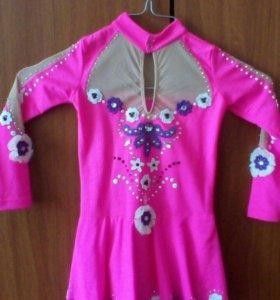 Платье для соревнований по фигурному катанию