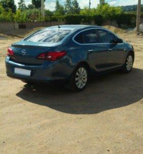 Авто Opel Astra J рестайлинг. Комплектация cosmo