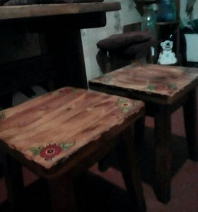 Продается Кухонный стол + 3 стула под хохлому