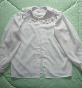 Школьная блузка рост 140-146, состояние новой.