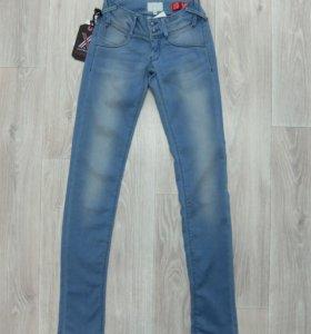 met блестящие джинсы (р. 24)