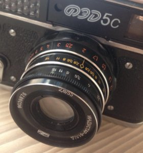 Советский фотоаппарат ФЭД-5с
