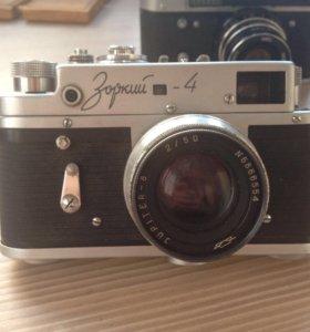 Советский фотоаппарат Зоркий-4