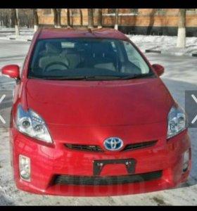 Стекло на Toyota Prius переднее правое