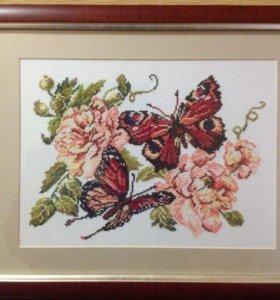 """Картина вышитая крестиком """"Бабочки и пионы"""""""