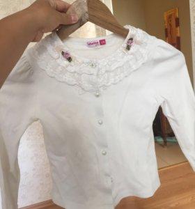 Блузка белая, кофта