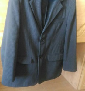 Школьный пиджак ,жилет, рубашка