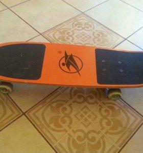 Продаю скейтборд с сумкой-чехлом