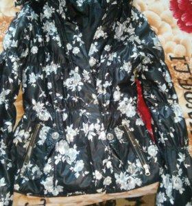 Продается красочная женская куртка.Весна-Осень.