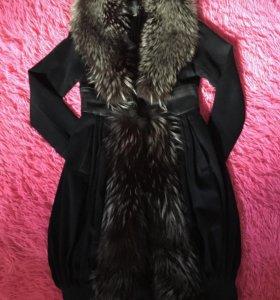 Пальто из кашемира с мехом чернобурки!