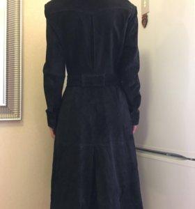 Замшевый чёрный плащ/пальто