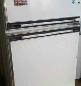 Холодильник ака