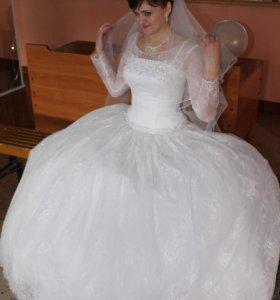 Продам шикарное свадебное платье размер 48
